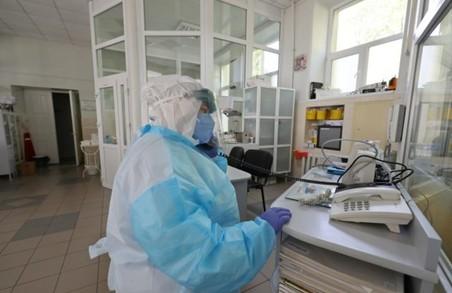 Коронавірус не відпочиває – у неділю на Львівщині виявили іще 128 інфікованих SARS-COV-2