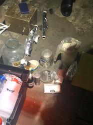 У Львові правоохоронці викрили нарколабораторію, яка розміщувалася у гаражі