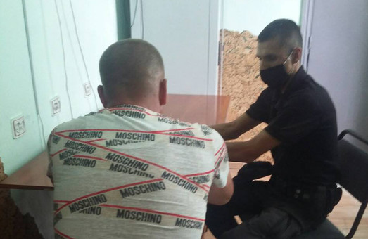 У Стрийському районі на Львівщині зловмисники травмували поліцейського