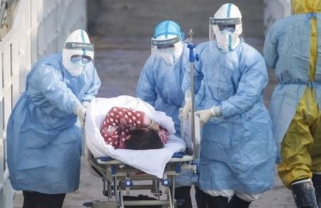 У понеділок на Львівщині провели лише 818-ПЛР тестів, але виявили 181 інфікованого коронавірусом