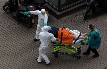 На Львівщині у понеділок 17 серпня із підозрою на COVID-19 до медиків звернулося 312 осіб