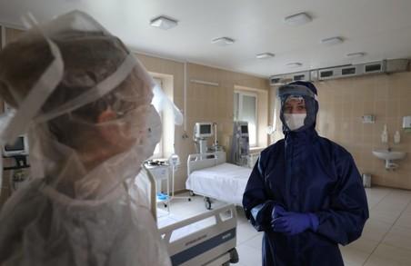 На Львівщині до лікарів із приводу коронавірусу вчора звернулося майже півтисячі мешканців