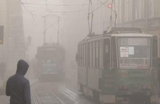 Завтра вночі та зранку у Львові обіцяють сильні тумани