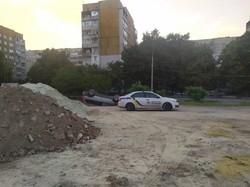 Сьогодні на світанку у Львові перекинувся легковик «Volvo»
