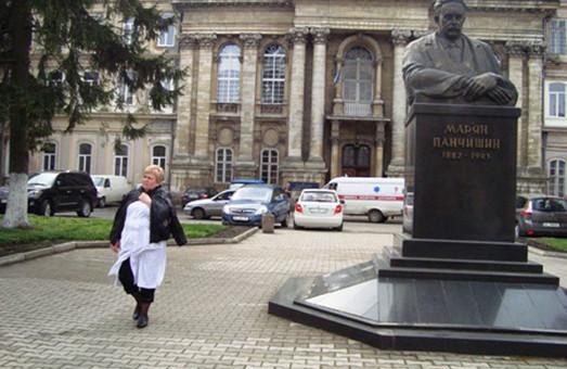 Львівська обласна клінічна та Самбірська центральна районна лікарні прийматимуть недужих на COVID-19