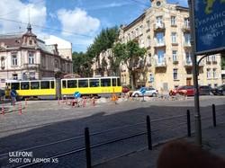 У Львові на площі Івана Франка сьогодні вночі і завтра замінюватимуть трамвайні колії