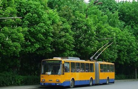 Від завтра у Тернополі почнуть курсувати спеціальні шкільні тролейбуси