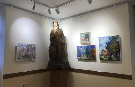 У Львівському музеї Каменяра відкрилася благочинна виставка «Портрет Франкової груші»