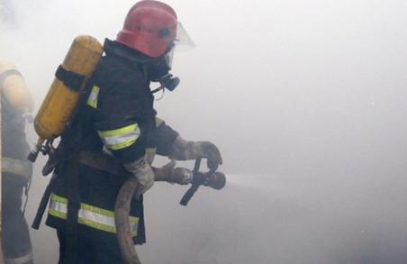 У Буському районі на Львівщині сьогодні ранку рятувальники гасили пожежу в житловому будинку