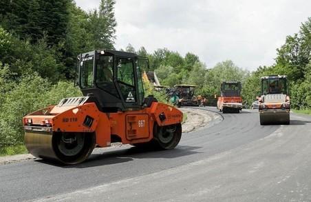 На Львівщині завершують ремонт автодороги між Східницею і Пісочною