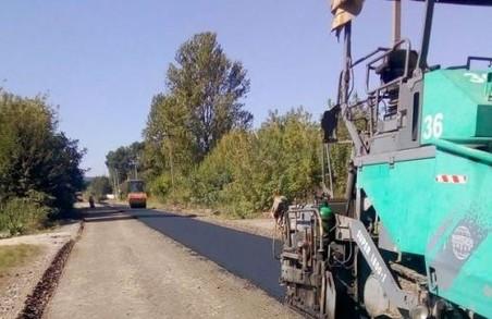 На Львівщині ремонтують автодорогу між Волею Гомулецькою та Малими Підлісками