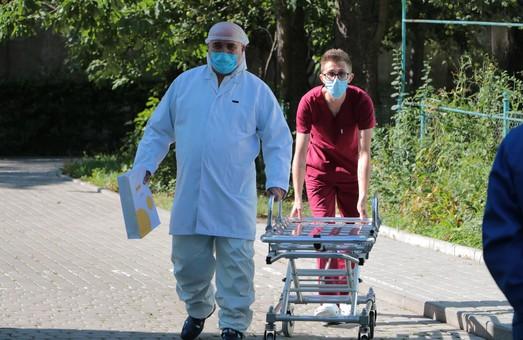 На Львівщині учора із приводу COVID-19 звернулося більше шести із половиною сотень пацієнтів