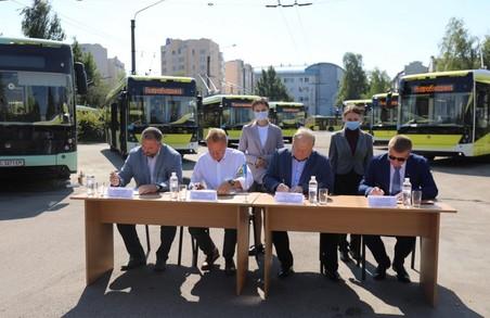 У Садового обіцяють закупити 250 електробусів Львова протягом 3 років