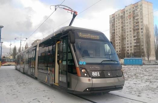 Львівському виробникові трамваїв кияни дали іще півтора місяці на постачання єдиного трамвая