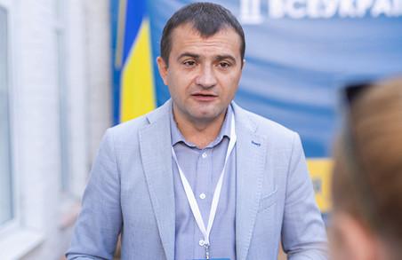 Мер Хмельницького звинуватив політичних опонентів у встановленні неякісних майданичків під вибори