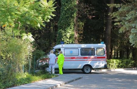 На Львівщині у неділю до медиків із приводу COVID-19 усього 65 осіб