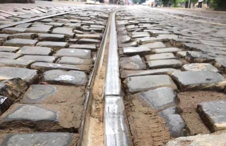 У Львові на вулиці Вітовського замінюватимуть аварійні трамвайні рейки