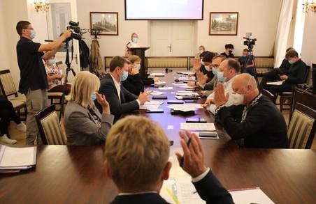 У Львові літні майданчики у закладах харчування діятимуть до кінця листопада