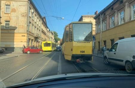 У Львові на Личаківській зупинилися трамваї