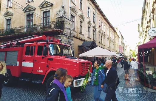 У центрі Львова у будинку на Староєврейській може вибухнути газ