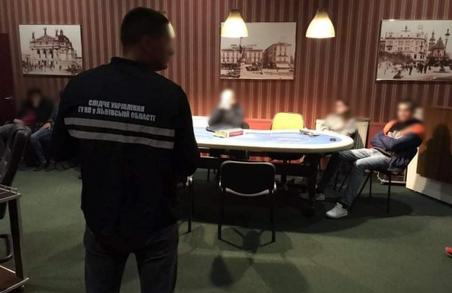 У Львові викрили підпільний гральний заклад