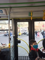 У Львові у комунальних автобусах порушують карантинні обмеження