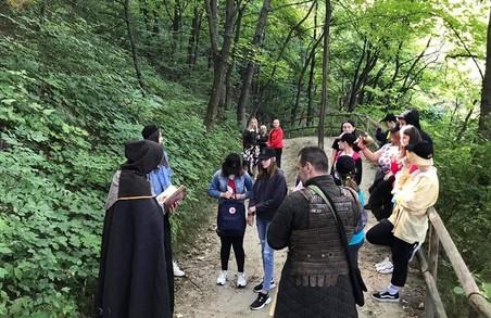 У львівському парку «Знесіння» відбувся історичний квест для дітей-сиріт «Стежками локальної історії» (ФОТО)