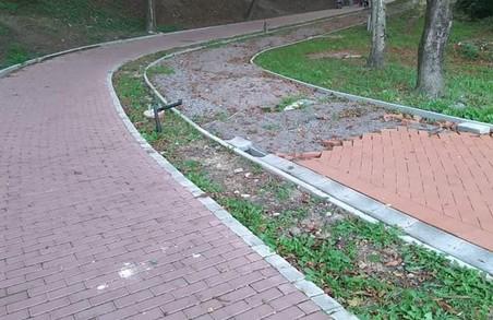 У Львові досі не завершили реконструкцію Личаківського парку