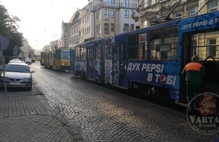 У Львові у «годину пік» призупинився рух трамваїв трьох маршрутів