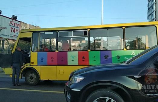 У Львові водію рейсового автобусу стало погано за кермом