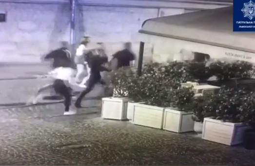 У центрі Львова вночі відбулася бійка зі стріляниною