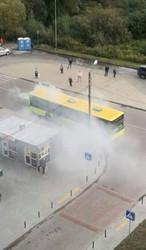 У Львові в Рясному-2 горів автобус ЛАЗ