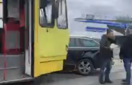 У Львові зупинився трамвай на Сихів