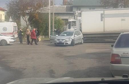 У Львові через ДТП призупинився рух на вулиці Зеленій