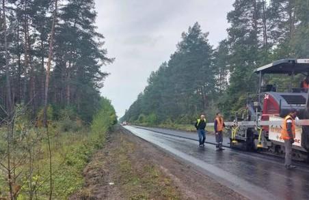На Львівщині ремонтують автодорогу Рава-Руська – Гайок