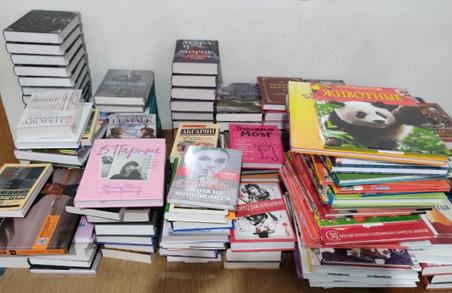 В Україну через Польщу намагалися ввести майже 200 контрабандних книжок із Росії