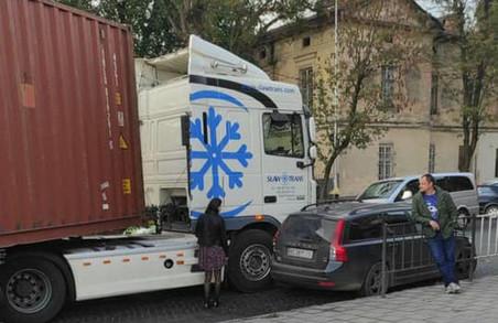 У Львові вранці ДТП паралізувало рух на вулицях Личаківській і Тракті Глинянському