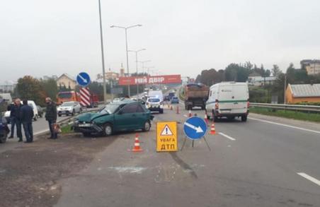 Учора у Пустомитівському районі на Львівщині сталося потрійне ДТП