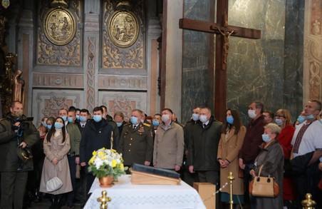 У Львові в Гарнізонному храмі святих апостолів Петра і Павла молилися за Україну та її захисників