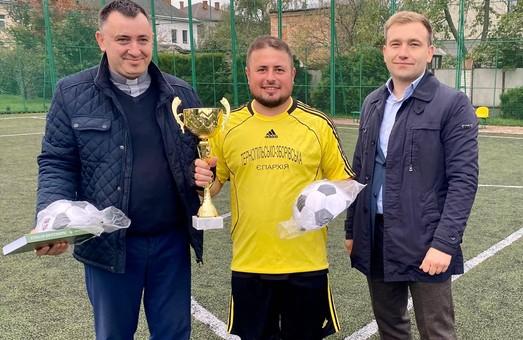 У Винниках під Львовом греко-католицькі священики грали у міні-футбол