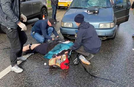 У Львові на вулиці Княгині Ольги під колеса легковика потрапила старша жінка