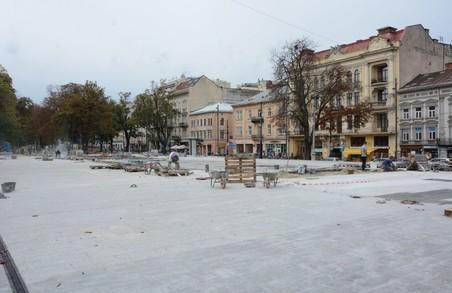 Садовий обіцяє, що фонтан перед Львівською оперою запустять у найближчі дні