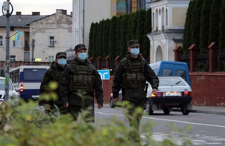 У Дрогобичі на Львівщині бійці Нацгвардії приступили до охорони громадського порядку