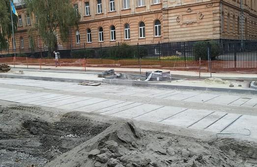 Вулицю Шевченка у Львові під час реконструкції істотно звужують