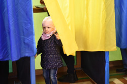 Як львів'яни голосували на виборах (ФОТО)