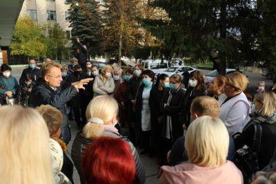 У Львові не перепрофілюють жодну поліклініку, - Садовий