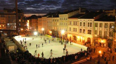 У Львові з коронавірусними обмеженнями запрацює ковзанка