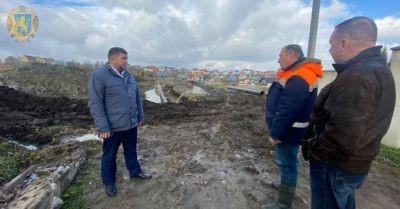 Львівська ОДА відзвітувала про завершальний етап перенесення водогону біля провалля у Стебнику