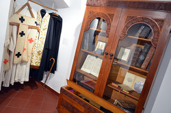 Шафи, які замовив Шептицький в митрополичі палати на Святоюрській горі