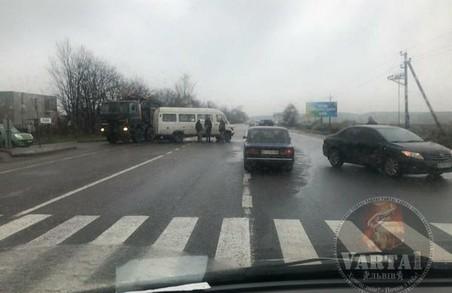 У Львові на об'їзній дорозі зранку сталася ДТП